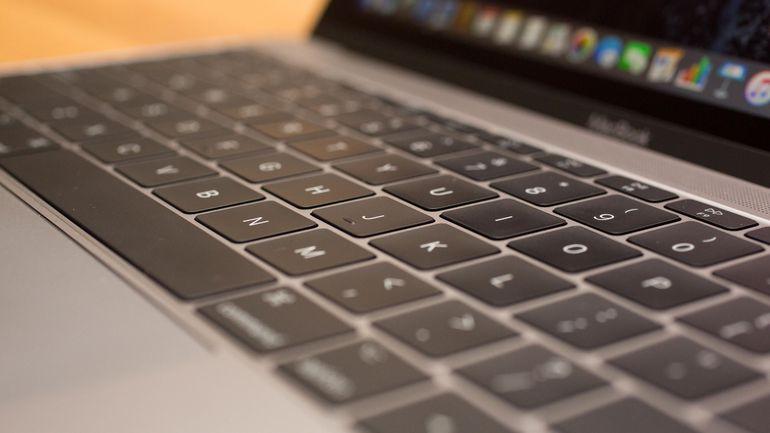 Apple укрепилась на рынке ноутбуков.