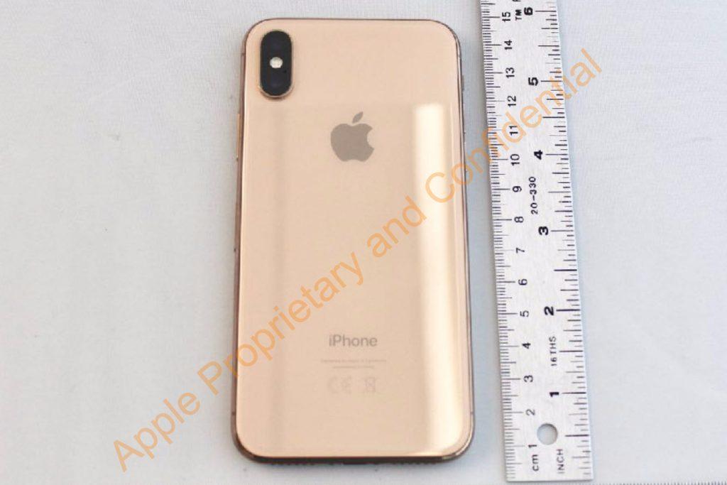 Появились фотографии iPhone X в золотом цвете.
