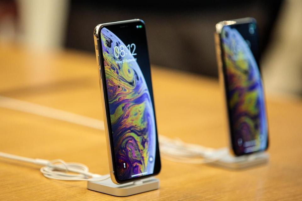 Популярность iPhone XS и XS Max оказалась на высоком уровне.
