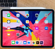 Новые iPad Pro легко сгибаются.