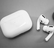 Apple отозвала неоднозначное обновление для AirPods Pro.