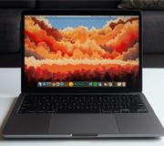Новый MacBook Pro сравнили с прошлогодним.