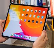 Apple разрабатывает iPad с увеличенным экраном.