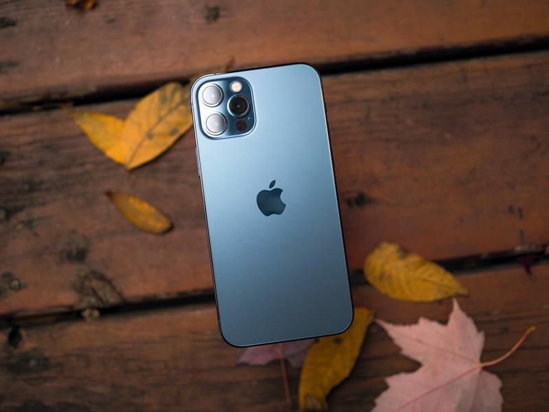 iPhone 13 будет заряжаться быстрее.